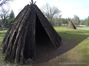 U'macha / bark house
